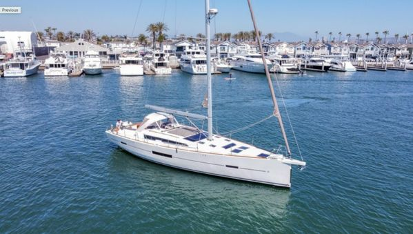 Used Dufour 520 Grand Large Racer and Cruiser Sailboat For Sale