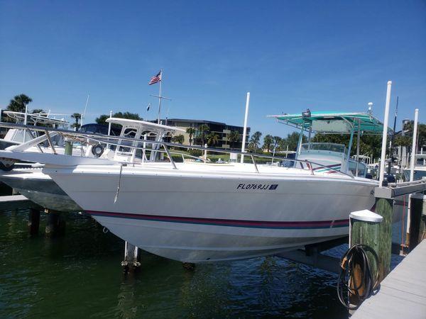 Used Avanti Open Fish Center Console Fishing Boat For Sale