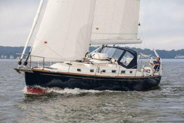 Used Tartan 395 Cruiser Sailboat For Sale
