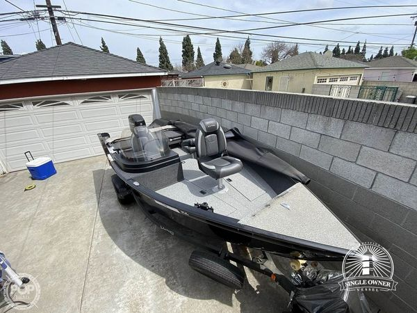 Used Lund 1675 Adventure SS Aluminum Fishing Boat For Sale