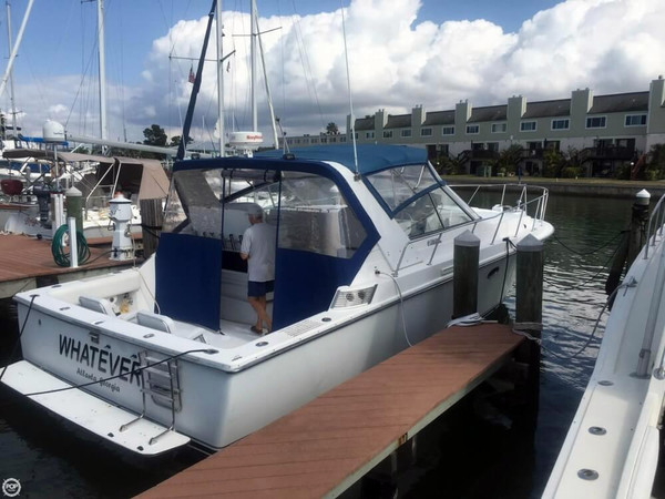 Used Trojan 11M Express Cruiser Boat For Sale
