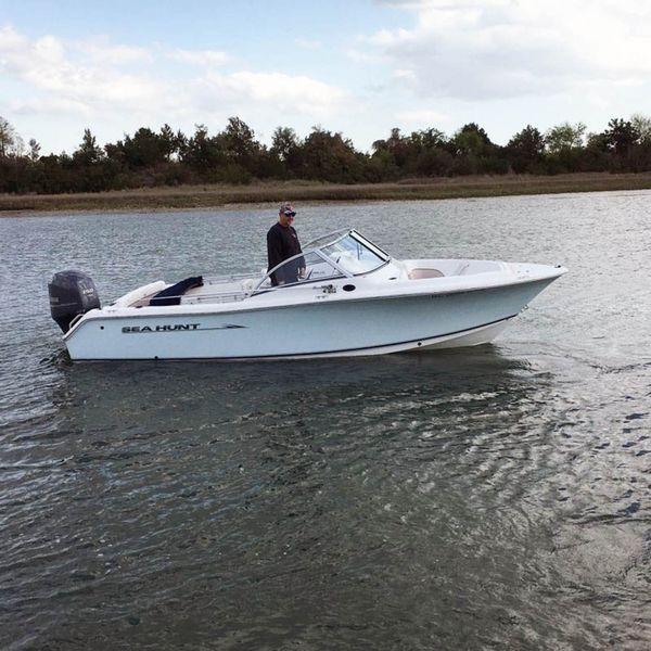 Used Sea Hunt 211 Escape LE Bowrider Boat For Sale