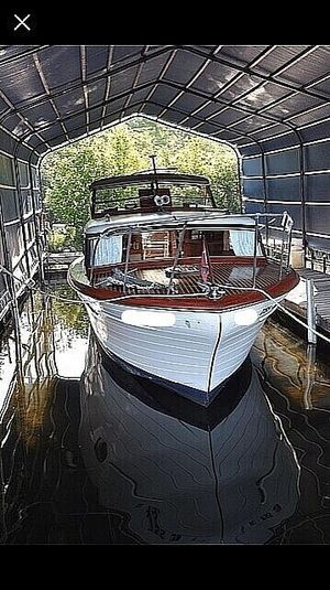 Used Chris-Craft Constellation 34 Antique and Classic Boat For Sale