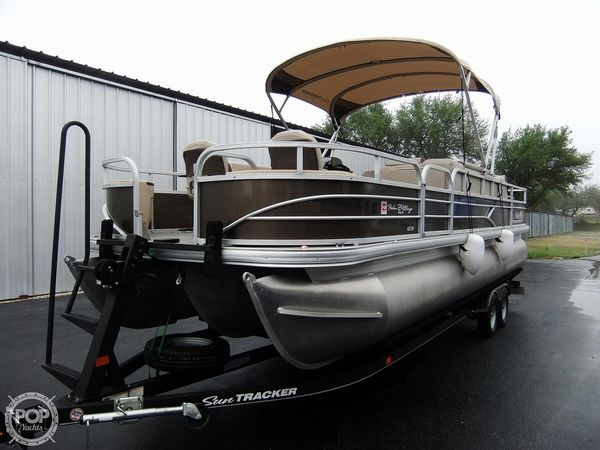 Used Sun Tracker 24 DLX Fishin' Barge Pontoon Boat For Sale