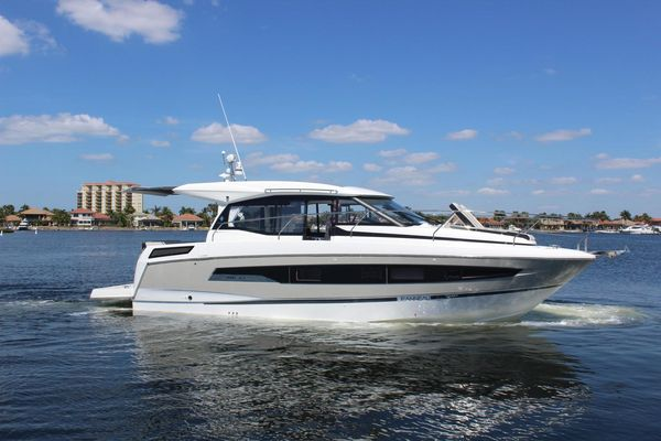 Used Imperial NC Express Cruiser Boat For Sale