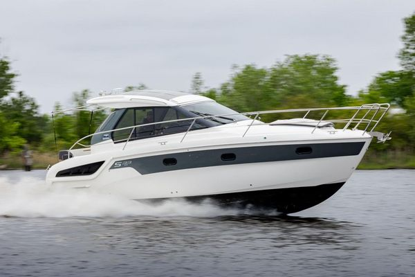 Used Bavaria 33 Express Cruiser Boat For Sale