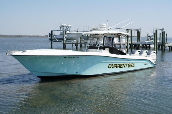 Used Hydra-Sports 3300 CC Saltwater Fishing Boat For Sale