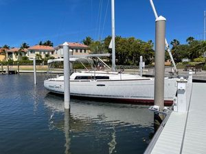 Used Beneteau Oceanis 31 Sloop Sailboat For Sale