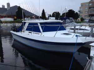 Used Cherokee Sportfisherman 300 Freshwater Fishing Boat For Sale