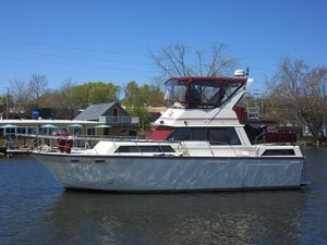 Used Marinette 37 Double Cabin Motor Yacht For Sale