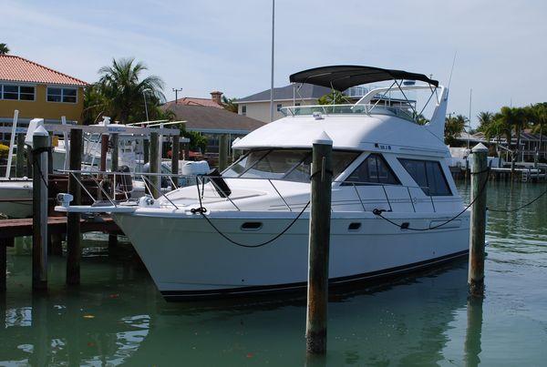 Used Bayliner 3988 Command Bridge Motor Yacht For Sale
