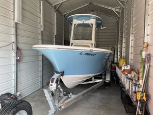 Used Sportsman Heritage 211 Platinum Center Console Fishing Boat For Sale