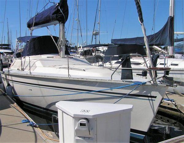 Used Hunter Passage 42 Center Cockpit Sailboat For Sale