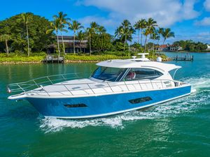 Used Riviera 515 SUV Motor Yacht For Sale