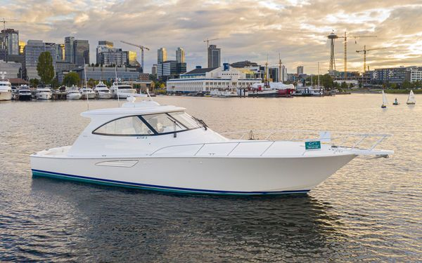 Used Viking Sport Coupe Sports Cruiser Boat For Sale