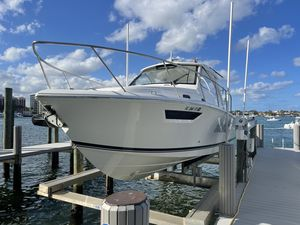 Used Pursuit OS 325 Center Console Fishing Boat For Sale
