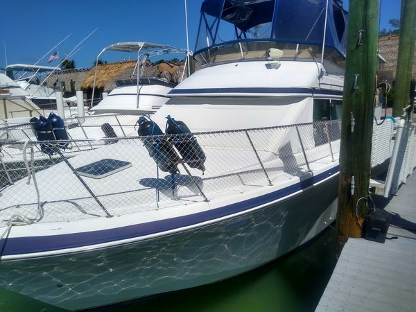Used Chris Craft Catalina 372 Aft Cabin Boat For Sale
