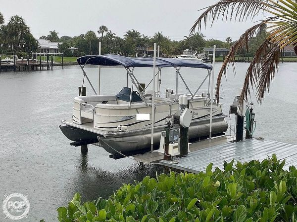 Used Sunchaser 820 Pontoon Boat For Sale