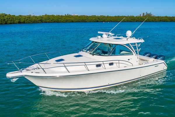 Used Pursuit 385 Offshore Saltwater Fishing Boat For Sale