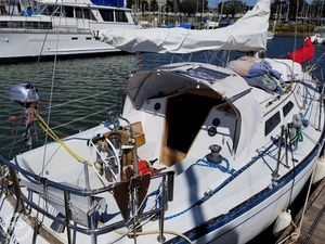 Used Islander 32 MK II Racer and Cruiser Sailboat For Sale