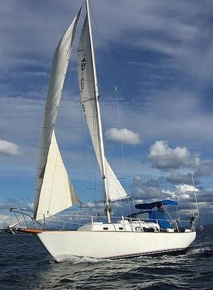 Used Pearson 35 Racer and Cruiser Sailboat For Sale