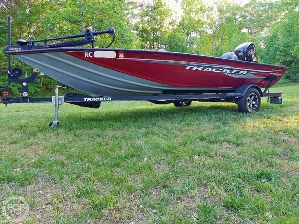 Used Tracker Pro Team 195 TXW Tournament Edition Bass Boat For Sale