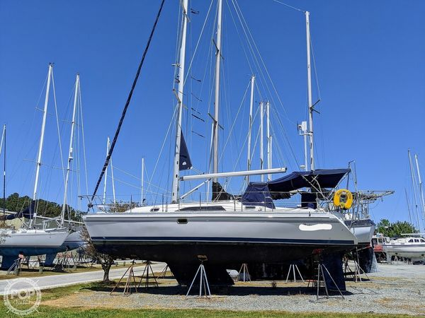 Used Catalina 355 Sloop Sailboat For Sale