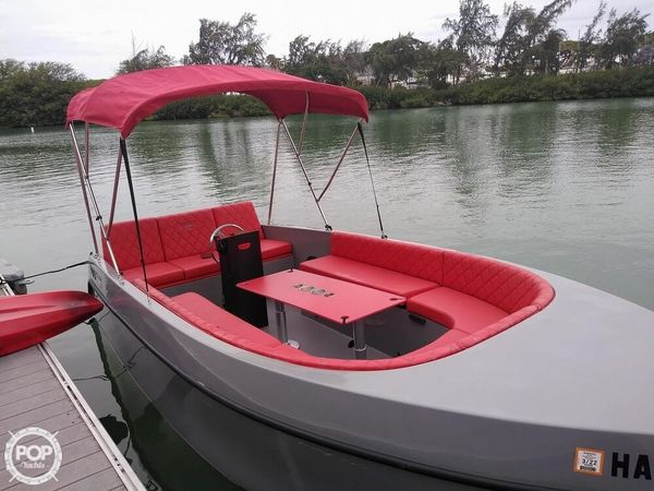 Used Canadian Electric 180 Volt Bowrider Boat For Sale