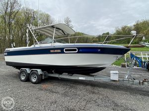 Used Regal Royal 250XL Cruiser Boat For Sale