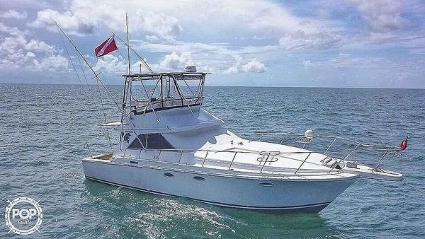 Used Trojan 11 Meter Convertible Sports Fishing Boat For Sale