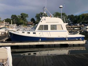 Used Custom Flye Point Sedan Bridge Downeast Fishing Boat For Sale