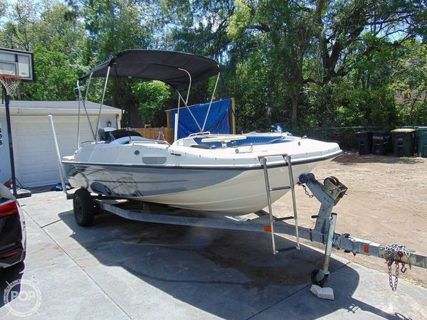 Used Bayliner 197 Deck Boat For Sale