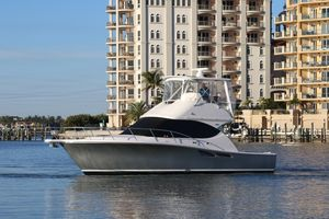 Used Tiara Yachts 3900 Convertible Motor Yacht For Sale