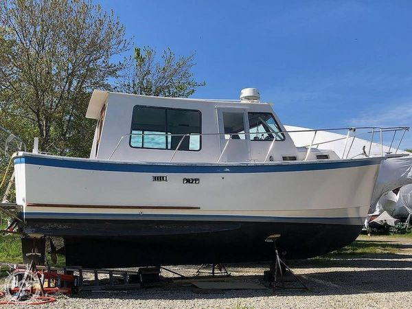 Used Prairie Boat Works 29 Trawler Boat For Sale