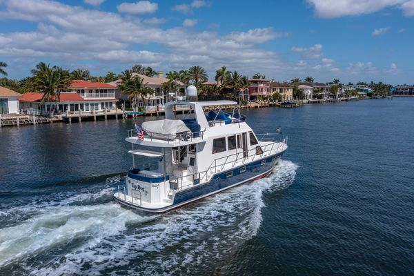 Used Island Pilot 535 Crossover Trawler Boat For Sale