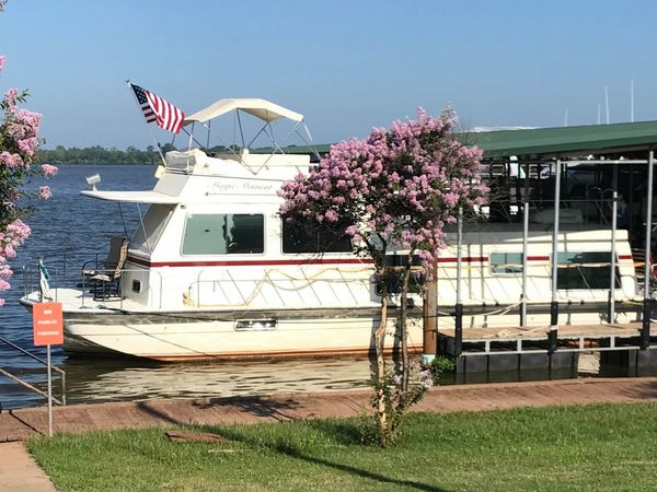Used Harbor Master 470 Flybridge House Boat For Sale