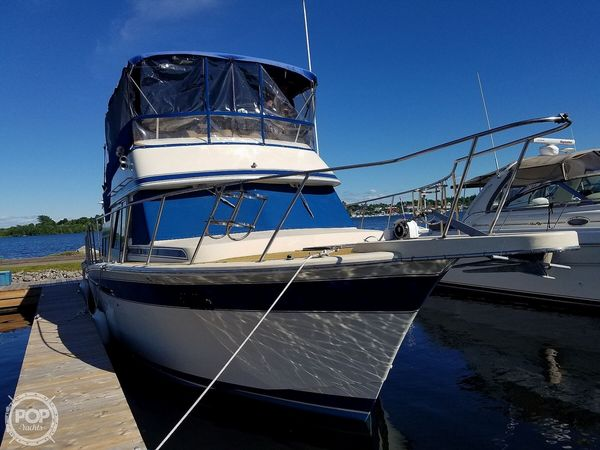 Used Chris-Craft Corinthian 380 Aft Cabin Boat For Sale