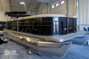 New Crest Classic LX 220 L Pontoon Boat For Sale