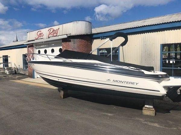 Used Monterey 224 FSC CD Express Cruiser Boat For Sale