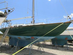 Used Luders 33 Allied Sloop Sailboat For Sale