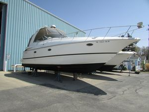 Used Cruisers Yachts 3772 Express Cruiser Boat For Sale