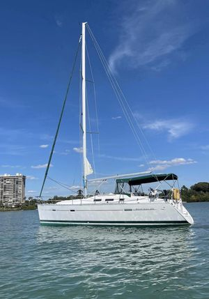Used Beneteau 373 Cruiser Sailboat For Sale