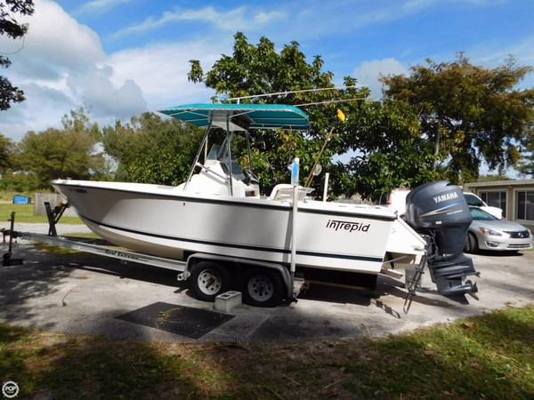 Used Intrepid 23 Center Console Fishing Boat For Sale