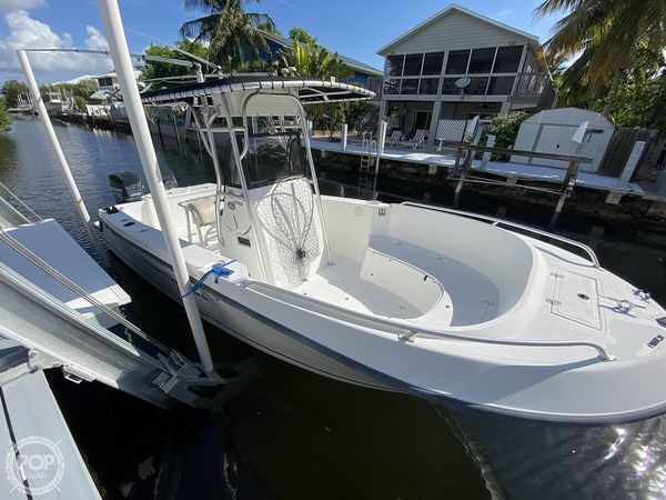 Used Mako 252 CC Center Console Fishing Boat For Sale