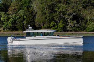Used Axopar Cross Cabin Cruiser Boat For Sale