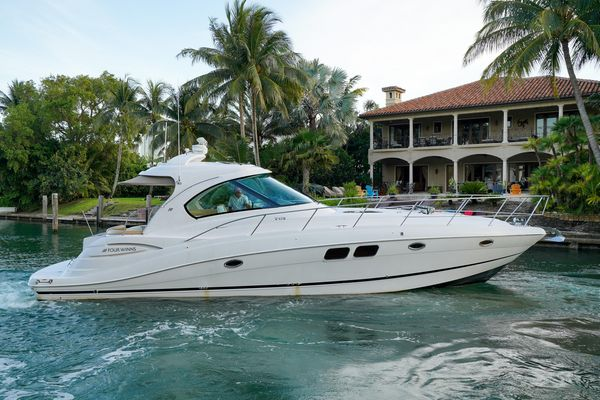Used Four Winns 47 Cruiser Boat For Sale