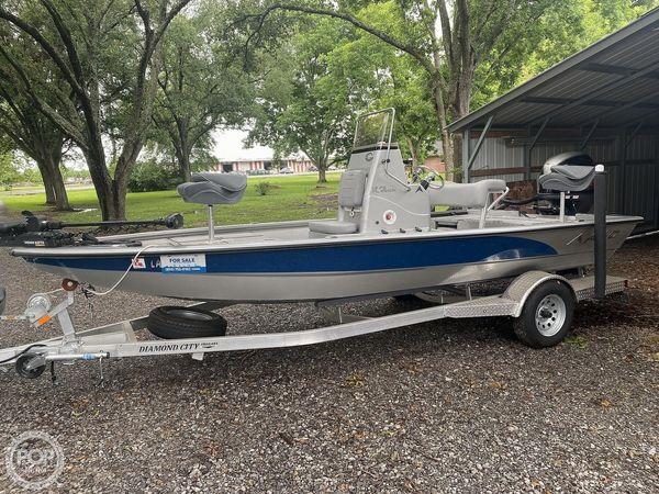 Used Avid 19FS Platinum Bay Boat For Sale