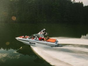 New Axis Wake Research A20 Pontoon Boat For Sale