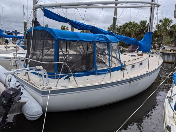Used Nonsuch 30 Ultra Antique and Classic Boat For Sale