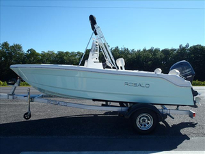 New Robalo Center Console Fishing Boat For Sale
